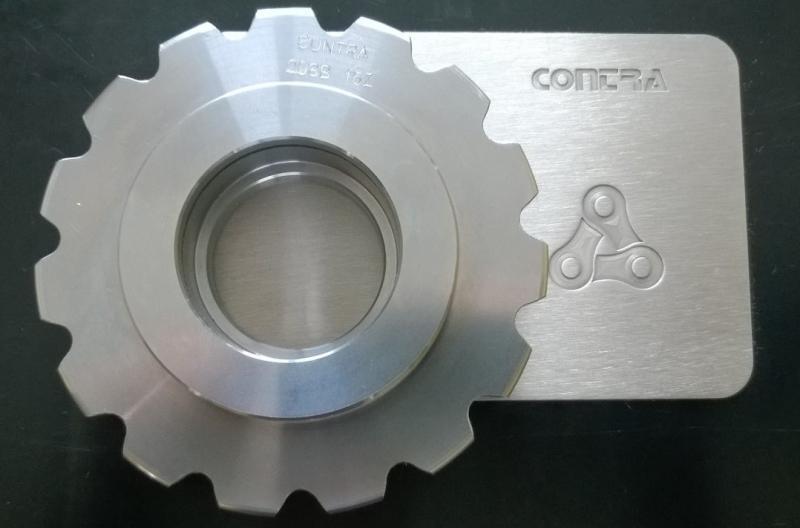 Společnost Contra vyrábí řetězová kola pro dlouhoroztečové řetězy.